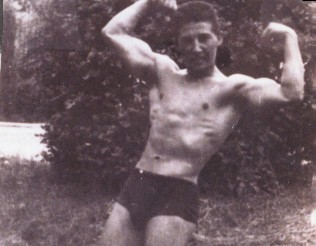 03 Body Building at age 19